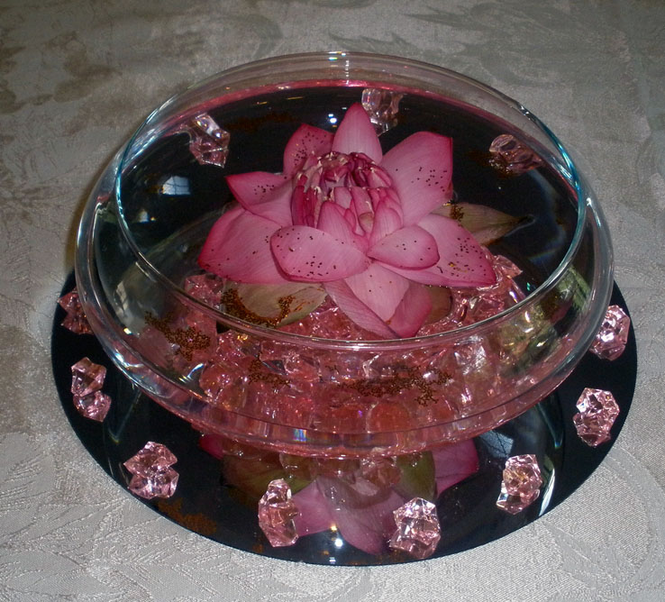 Centerpiece with fresh lotus raji creations