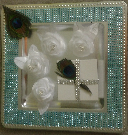 Decorative tray to hold wedding rings